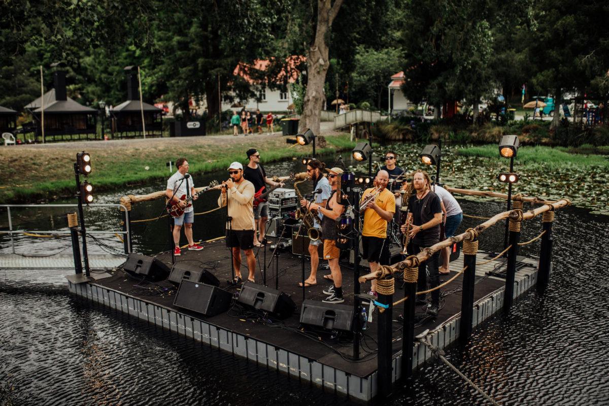 festival one floating platform